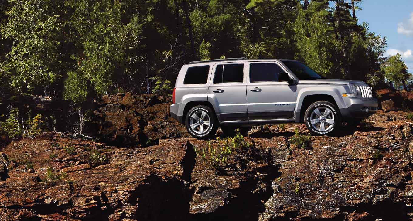 10 reasons why we love the 2016 jeep patriot. Black Bedroom Furniture Sets. Home Design Ideas