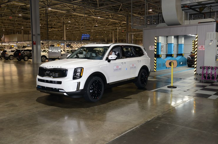 miami-lakes-kia-telluride-three-million