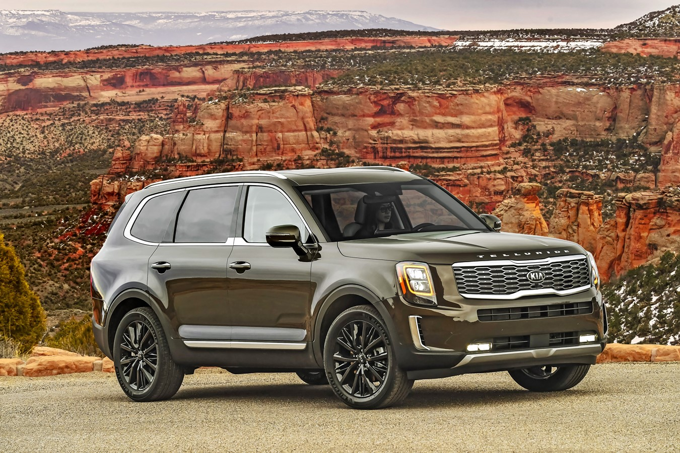 2020 Kia Telluride Named On Car And Driver 10best Trucks And Suvs List